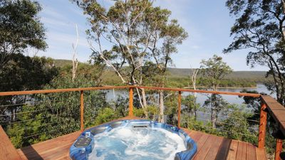 Photo for Luxury Nature Retreat on the Lake in Kangaroo Valley