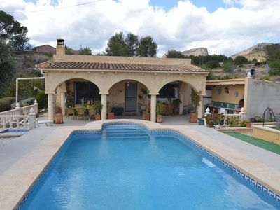 Photo for Rural villa with pool and outdoor kitchen