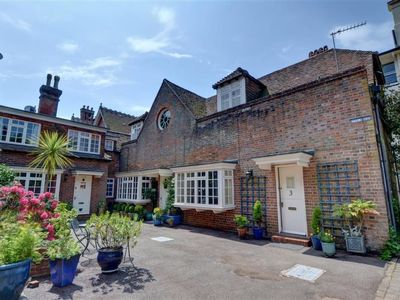 Photo for Vacation home Ephraim in Royal Tunbridge Wells - 4 persons, 2 bedrooms