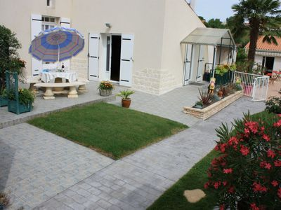 Photo for Gîte laccalmie17 2 star holiday rental with swimming pool at 2 Km downtown