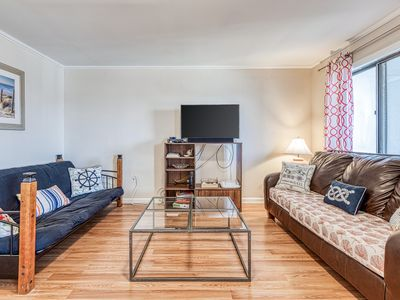 Photo for NEW LISTING! Family friendly, bayside beach condo w/ cable & full kitchen
