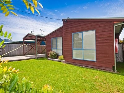 Photo for BUDGET BY THE BAY - 106 McLachlan Street, Apollo Bay