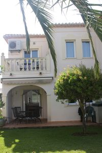Photo for Beautiful 3 bedroom, 2 bathroom townhouse  with pool, and close to sandy beach.