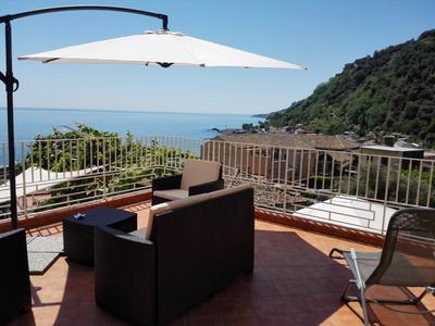 Photo for Villa Elena ancient Sicilian house a stone's throw from the sea