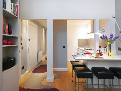 Photo for Cozy 1 Br flat in the Heart of Chelsea,Finborough,London