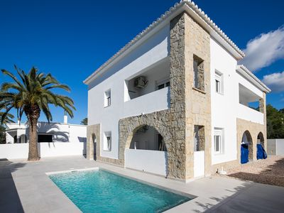 Photo for Modern Apartment with Private RooftopTerrace, Access to Pool,  Air Conditioning and Wi-Fi