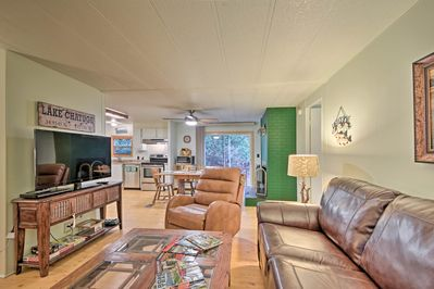 You'll find 2 bedrooms and 2 full bathrooms in the cottage.