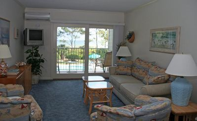 Photo for Cozy Direct Oceanfront  and pool view, Close to Coligny Plaza and Tiki Hut