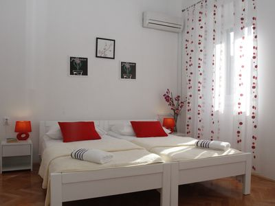 Photo for SPACIOUS ROOM MILETIC WITH SINGLE BEDS-CLOSE TO CITY CENTER AND PALACE