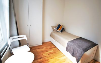 Photo for Ifield 1 apartment in South Kensington with WiFi.