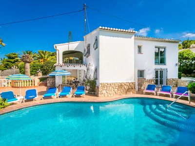 Photo for Luxurious spacious villa  with a private pool a sea view minutes from the beach