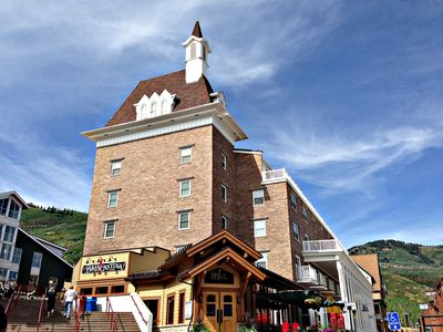 Awesome Ski in/Out, K, 2q,Resort Plaza Pool Hotub Sleeps 7