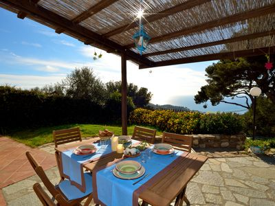 Photo for Holiday home with magnificent sea view, private garden and wi / fi