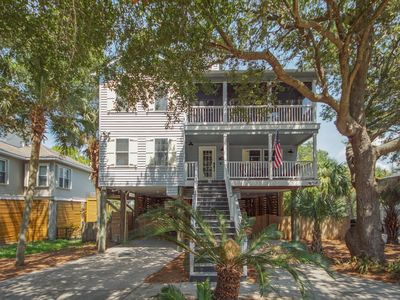 Lovely Folly Beach Home Just Steps to the Beach!