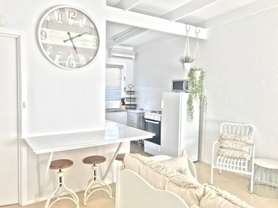 Photo for LOCATION!! Smith Girls Shack Cowes - LINEN INCLUDED