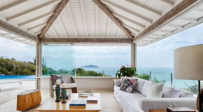 Photo for Beautiful house with five suites, with exclusive access to Turtle beach