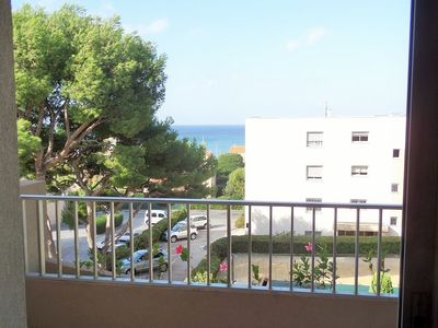 Photo for Residence with swimming pool and parking at 200 m from Bonnegrâce beach. Free internet.