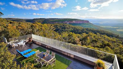 Photo for Redcliffe, Blackheath - Breathtaking Escarpment and Valley Views