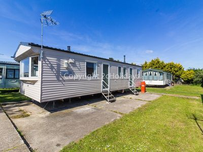 Photo for 8 berth static caravan for hire at Seawick holiday park in Essex.