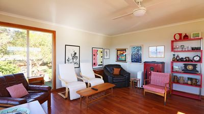 Photo for Monaro Cottage - Pet friendly, 3 Bedroom House by the Beach 2+ nights