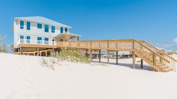 Homes, Bernard Court, Gulf Shores, AL, USA
