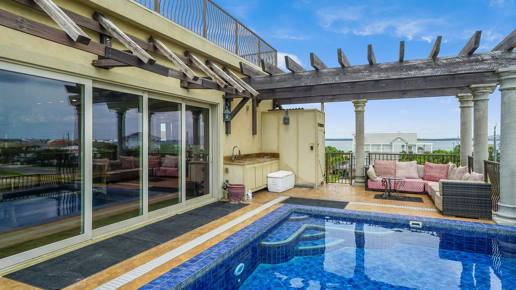 Roof Top Pool, One Block from the Beach, Huge Outdoor Living Area! Design House Rd Floor on house attic, house rooftop, house phone, house electricity, house bathroom, house dining room, house sidewalk, house san francisco, house cellar, house exterior, house lift, house fireplace, house deck, house office, house garage, house construction site, house basement, house roof, house bedroom, house ground,