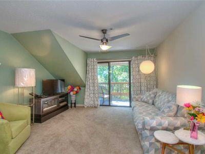 Photo for NEWLY FURNISHED! Lake view condo!