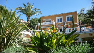 Photo for Spacious villa with sea view, private pool, garden with leisure games