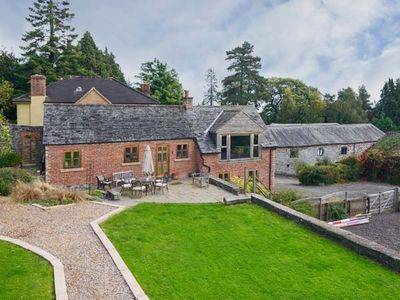 Photo for THE GARDENER'S COTTAGE, pet friendly in Llanyblodwel, Ref 912050