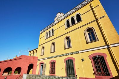 The façade of Cal Florit is protected by the town council and a historic site