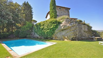 Villa Petra is a beautiful villa with swimming pool in the heart of the Chianti