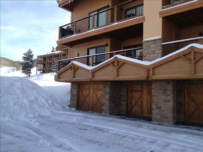 Photo for Crested Butte Ski In, Ski Out, 2/2, Great Views, Hot Tub, Renovated Condo
