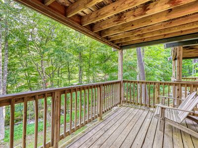 Photo for Mountain condo right next to slopes w/covered balcony & full kitchen