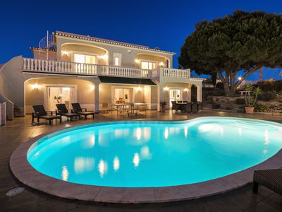 Photo for Luxury 5/6 bedroom villa with heated pool, table tennis, sea view and free wifi