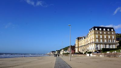 Photo for ROCHES NOIRES-BEACH FRONT Bright Quiet Apt-Outstanding view-Town Center 10 min