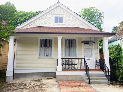 Photo for Historic Riverbend Cottage: Highly walkable neighborhood, 2 blocks to streetcar!