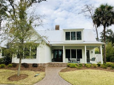 Photo for Beautiful 4 bedroom/4.5 bath cottage with fire pit located in Palmetto Bluff
