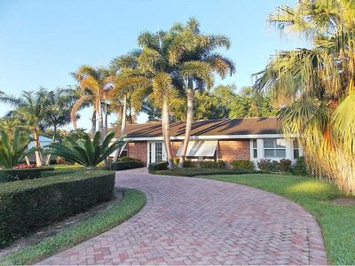 Photo for Bright and spacious mid-century home just 3 blocks from the beach in Aqualane Shores