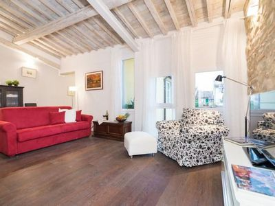 Photo for Central Louisa  apartment in Piazza della Libertá with WiFi & integrated air conditioning.