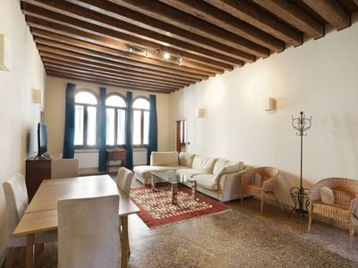 Photo for Ormesini: beautiful typical Venetian apartment, in the quiet Cannaregio district.