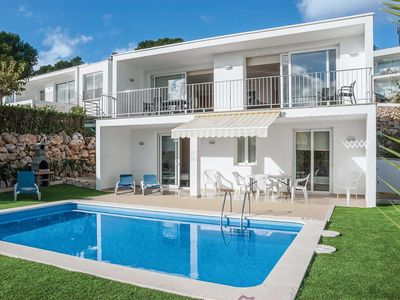 Photo for Modern villa w/ airy bedrooms, bbq located close to beach and village