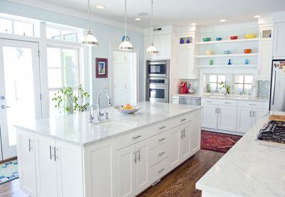 A sunny, modern kitchen is the perfect place for gatherings
