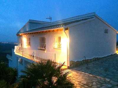 Photo for Spacious villa with private pool, sensational outlook, pets allowed