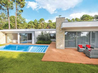Photo for Single-storey villa with table tennis, free Wi-Fi, private pool and BBQ