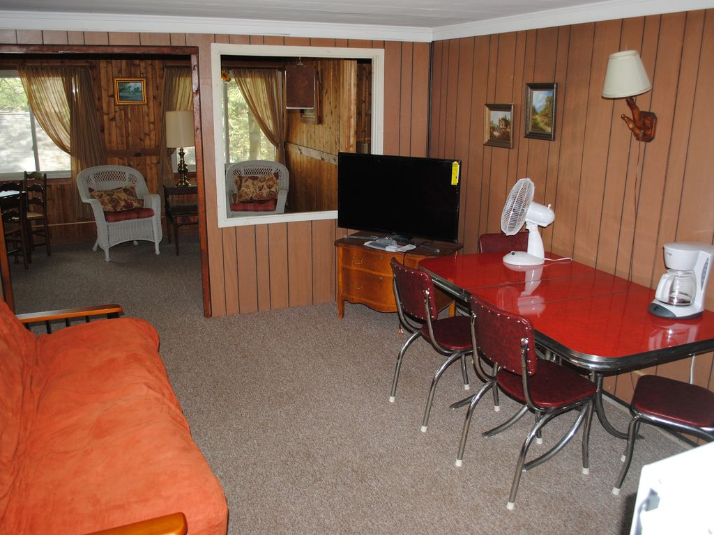 original traverse cabin states by wooded for city calming michigan rent the in united river cabins rooms