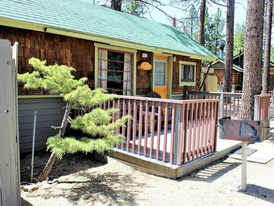 Photo for *SUNSET COTTAGE~COUPLE'S RESORT CABIN~Walk To Lake/Village~