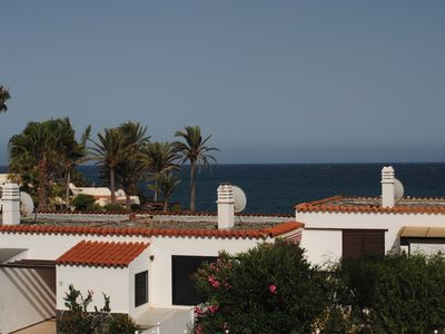 Photo for Beautiful bungalow with generous kitchen, sea view and beach / sea access