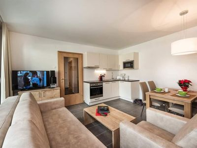 Photo for Studio Alpine Half Board - AlpenParks Hotel & Apartment Central Zell am See