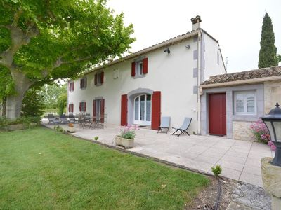 Photo for Charming cottage in the countryside between St Rémy de Provence and Avignon