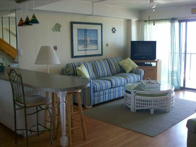 Photo for Beautiful Beachfront Penthouse with Pool - Perfect Location!